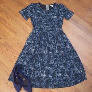 EUC LuLaRoe Amelia dress w/ pockets, Retired style